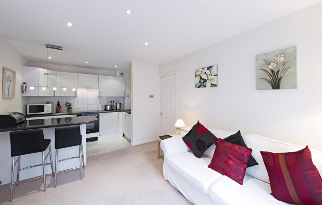 Chatsworth Court, St Albans AL1 5BQ - The Apartment Network