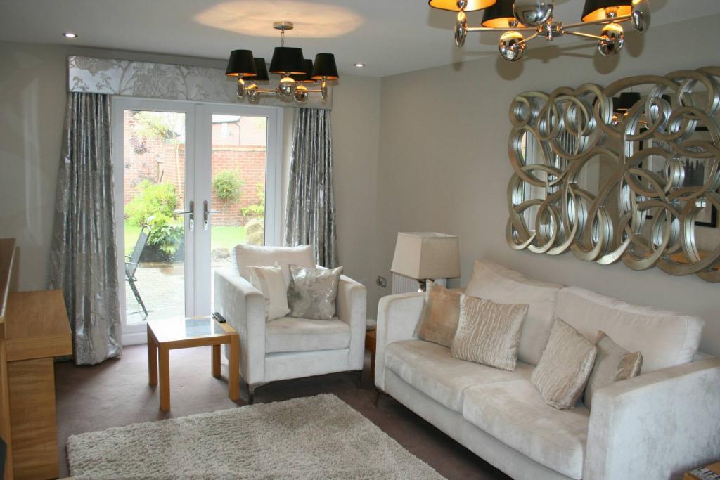 Derby Chartley Road 4 Bedroom House Derby De24 3bt